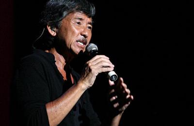 林子祥在大湾区中秋晚会上演唱《敢爱敢做》