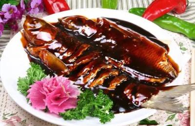 源于宋代的杭帮名菜西湖醋鱼,嫩如蟹肉,味道一绝!